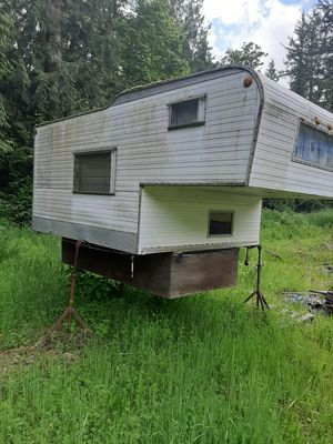 Camper for 8 foot truck bed for Sale in Fall City, WA