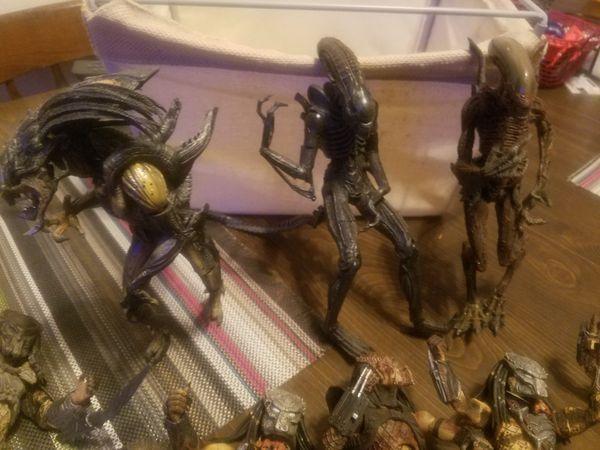 Alien and predator figures