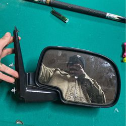 Right Side Mirror For Chevy GMC for Sale in Tukwila,  WA
