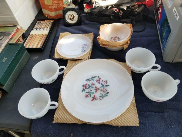 4 piece dish set