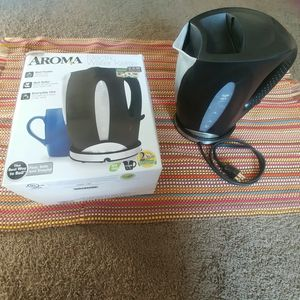 Aroma Electric water kettle for Sale in Detroit, MI