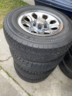 17 inch Silverado stock rims 6 lugs 50% tires for Sale in Bell Gardens, CA