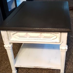 Refurbished Farmhouse style end table for Sale in Queen Creek, AZ