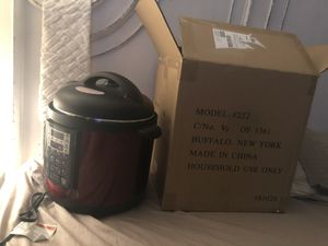 Brand new slow cook crock pot in box for Sale in Hempstead, NY