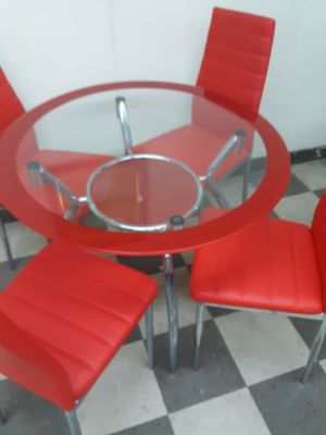 Glass dining table same day delivery for Sale in Miami, FL