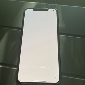 iPhone 11 Pro Max (unlocked) for Sale in Poinciana, FL