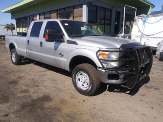 2014 ford f-350 superduty diesel 6.7 engine ac cool automatico runs perfectly clean title {contact info removed} peres for Sale in Miami,  FL