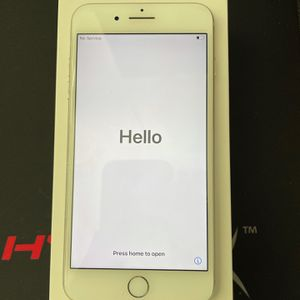 Iphone 7 Plus Silver for Sale in Las Vegas, NV