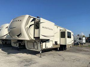 2018 Keystone Montana 5th Wheel RV for Sale in Mesquite, TX