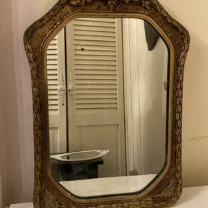Vintage Mirror for Sale in White Plains, NY