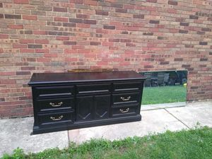Dresser for Sale in Detroit, MI