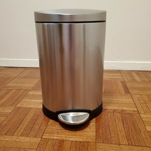 Simple Human Trash Can for Sale in New York, NY
