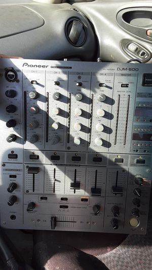 Pioneer professional DJ mixer model number djm 600 for Sale in Pittsburg, KS