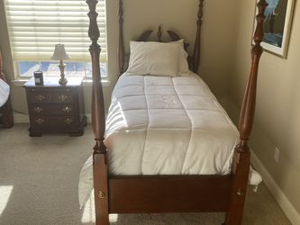 Twin Bedroom Set With Mattress And Box Spring for Sale in Cedar Park,  TX