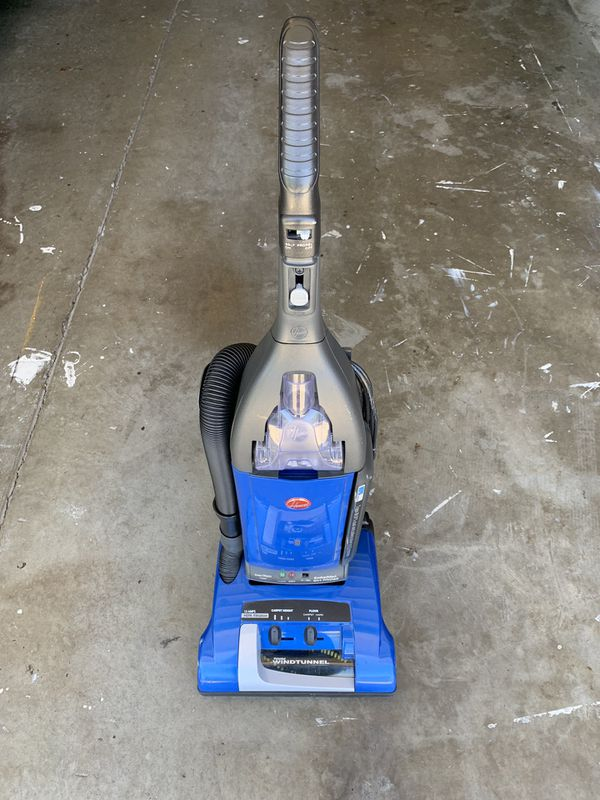Hoover Windtunnel vacuum. Great condition.