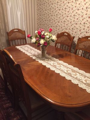 Beautiful kitchen table with six chairs and two inserts one is in it right now. for Sale in Kaysville, UT