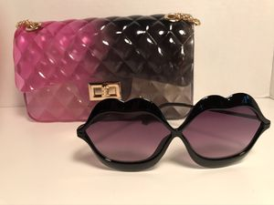 *New Pink&Black Fashion Handbag/ Free Pair of Fashion Sunglasses * for Sale in St. Louis, MO