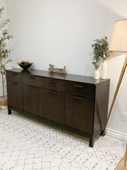 Like New Side Board Buffet Cabinet for Sale in Auburn,  WA
