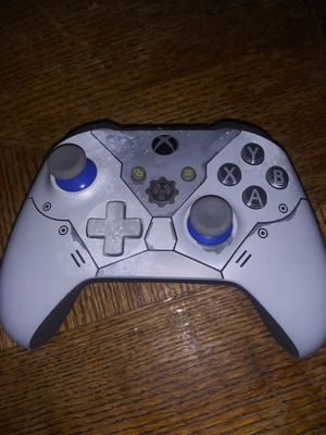 Xbox ONE controller Limited edition for Sale in Collinsville, IL
