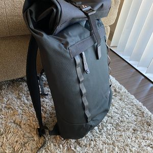 Oakley Roll Top Backpack for Sale in San Antonio, TX