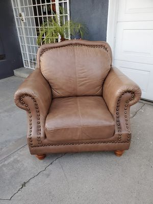 Beautiful sofa for Sale in San Bernardino, CA