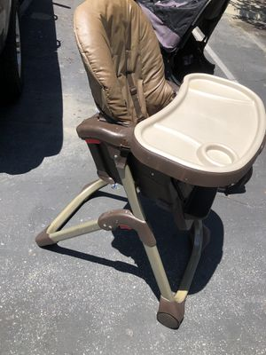 Baby high chair for Sale in Lakewood, CA
