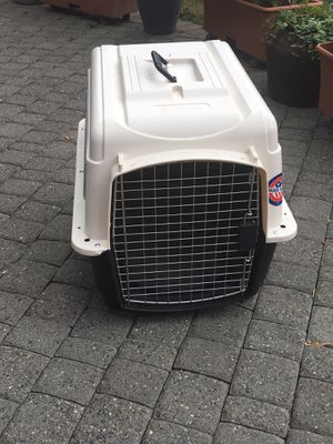 Medium dog crate for Sale in Tacoma, WA