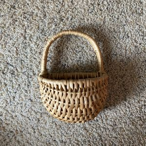 ‼️Small Wicker Hanging Basket‼️ for Sale in Fenwood, WI