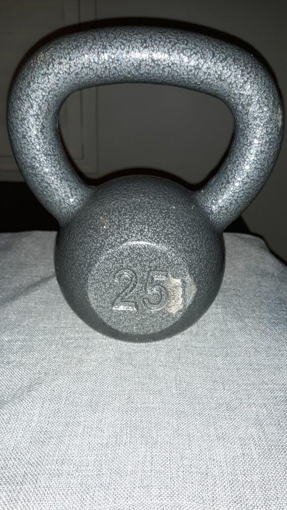 Brand new Weider cast iron 25lb kettlebell