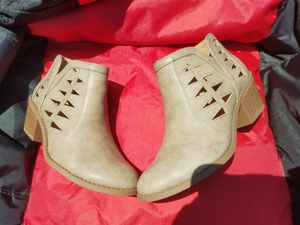 Boots girls size 3 for Sale in Spring Hill, FL