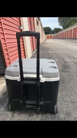 52 QT Igloo roller cooler for Sale in Lake Worth, FL