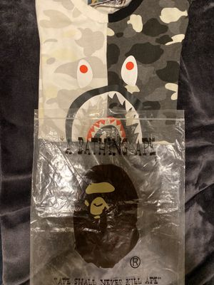 Bape camo tee authentic for Sale in Bakersfield, CA