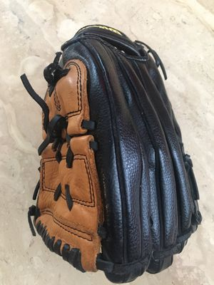 "Wilson baseball glove leather number A2488 12"" for Sale in Henderson, NV"