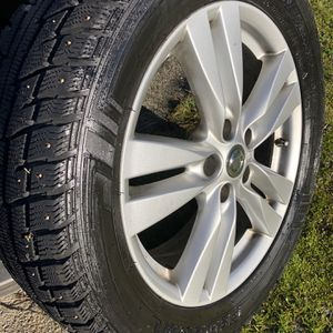 Himalaya SUV Snow Tires and Rims For 2013 Nissan Quest for Sale in Mount Vernon, WA