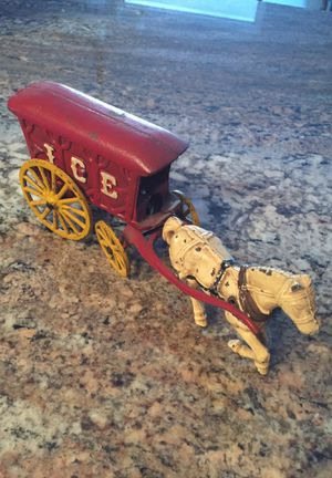 I C E cast iron buggy with horse , collectible for Sale in Batavia, IL