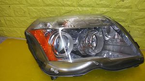 2010 2013 MERCEDES BENZ GLK RIGHT HEADLIGHT HALOGEN PASSENGER SIDE GENUINE USED OEM B32 for Sale in Lynwood, CA