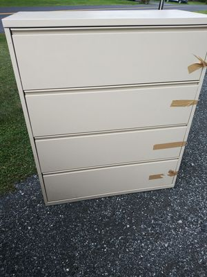 4 drawer Filing Cabinet for Sale in Ephrata, PA