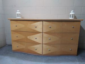 Dresser with mirror for Sale in Pinellas Park, FL