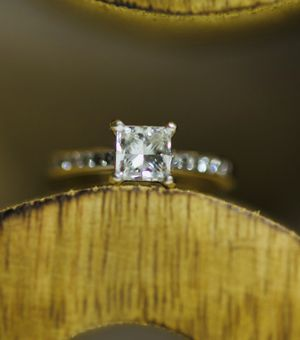 GIA 1.33 ct Princess Diamond Engagement Ring! All natural GIA CERTIFIED! for Sale in Riverview, FL