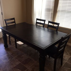 Black rustic kitchen table for Sale in Eagle Mountain, UT
