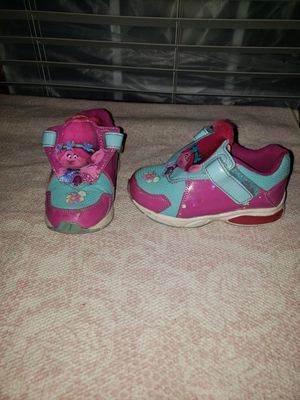Girls troll poppy shoes size 9 for Sale in Virginia Beach, VA