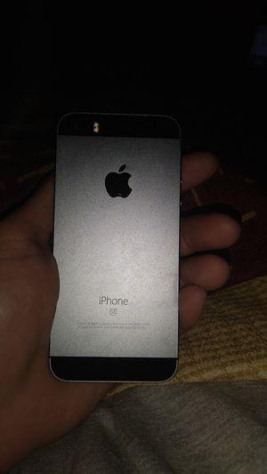 I phone 6 se. I cloud locked. for Sale in Monroe, MI