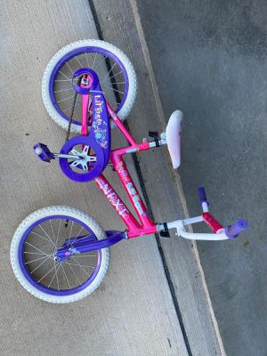 16 inch girls bike in very good condition for Sale in Aurora, OH