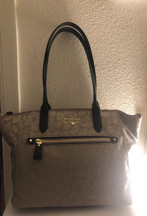 Michael Kors medium nylon purse for Sale in Fort Belvoir, VA