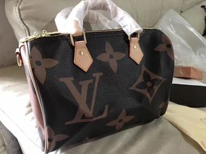 Lv tote bag for Sale in Lorain, OH