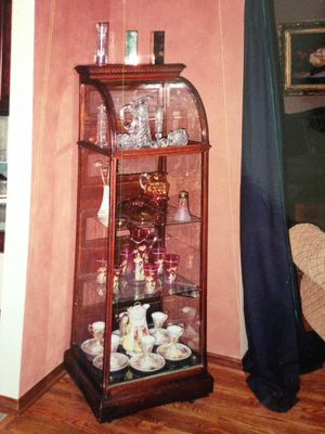 Antique McCassy Bros. Hardware showcase or China cabinet for Sale in Delaware, OH