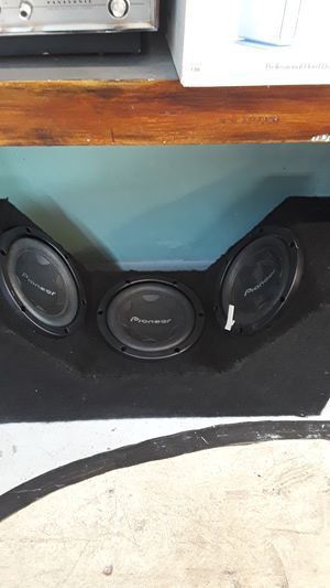 Car box with three Pro Pioneer 10 inch speakers subwoofers subwoofer car audio bass boom for Sale in Pompano Beach, FL