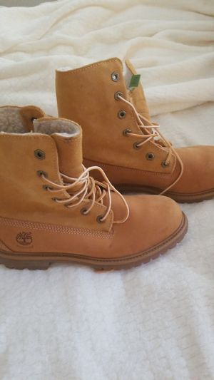 Timberland women size 9. for Sale in San Diego, CA