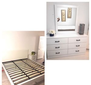 New king platform bed frame. Dresser. Mirror. Delivery for Sale in Deerfield Beach, FL