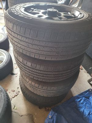 17-in Jeep wheel with good tire thread $300 O.BO for Sale in Columbus, OH